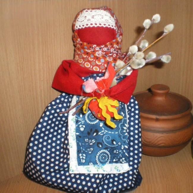 Пасхальная обрядовая кукла и оригинальная корзинка
